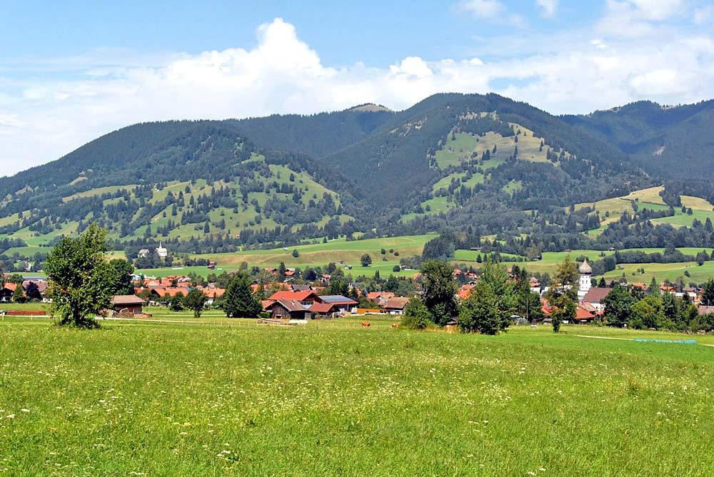 Blick von Westen auf Unterammergau