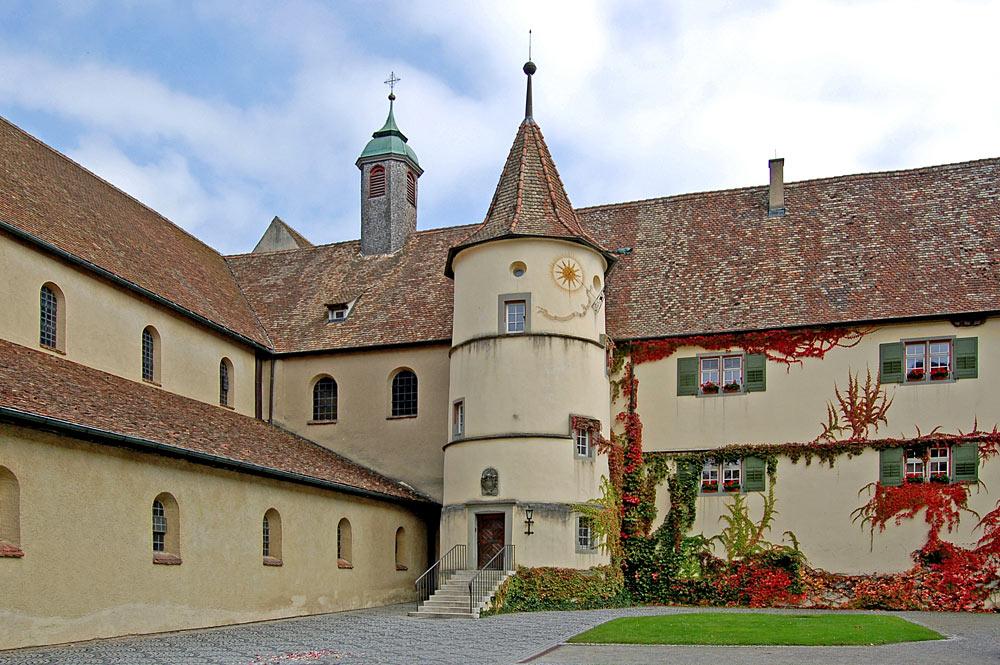 Innenhof von Schloss Königsegg auf der Bodenseeinsel Reichenau