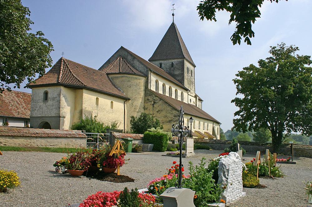 Friedhof und Kirche St. Georg auf der Insel Reichenau