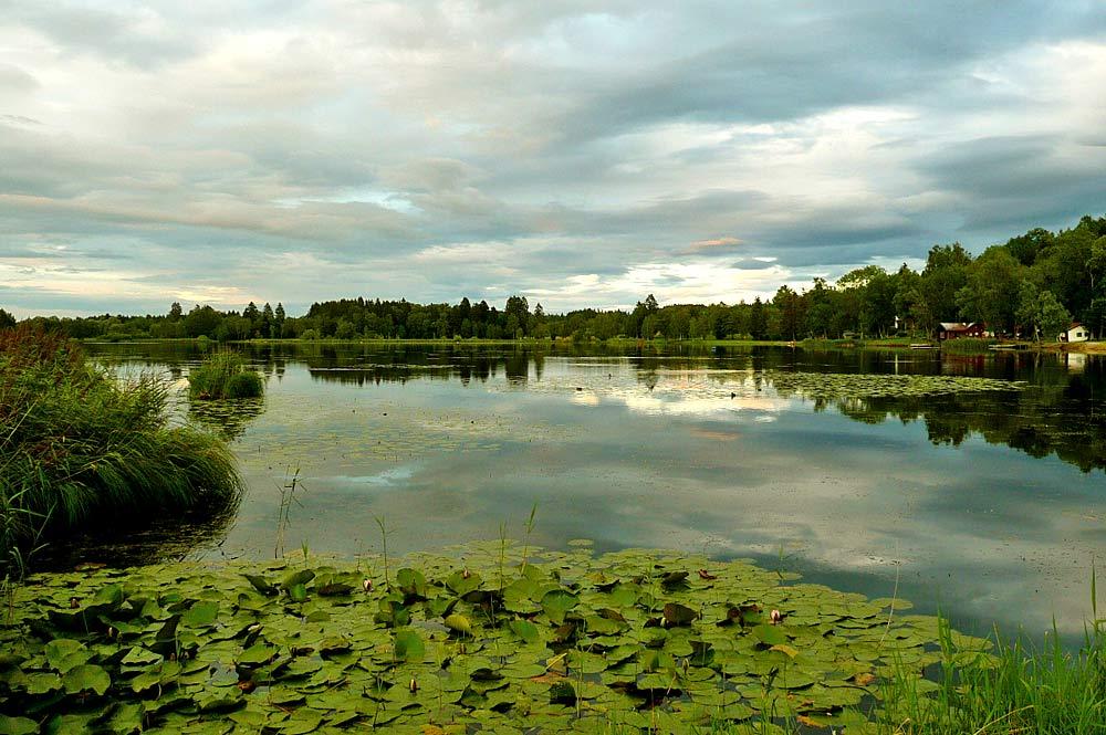 Blick auf den Soiener See in der Abenddämmerung