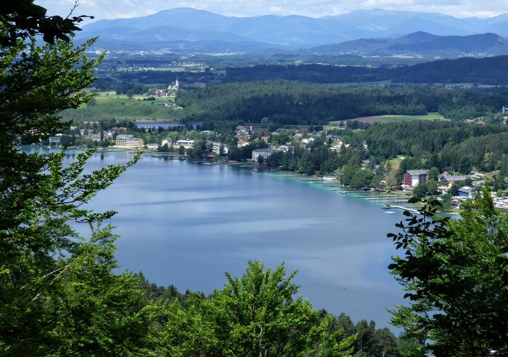 Blick auf den Klopeiner See und St. Kanzian