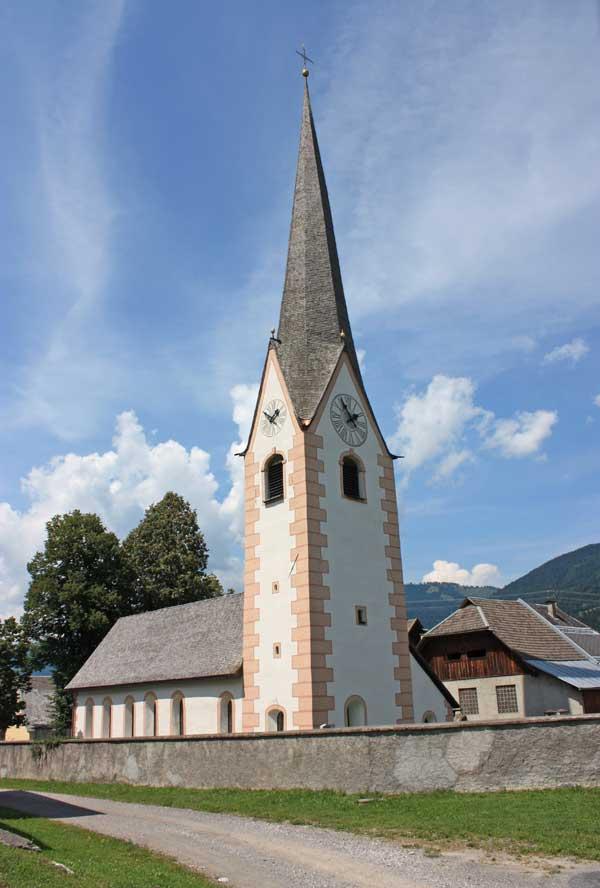 Die Pfarrkirche von Tröpolach