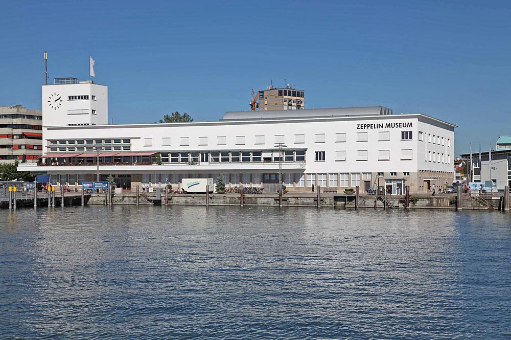 Außenansicht des Zeppelin-Museums in Friedrichshafen