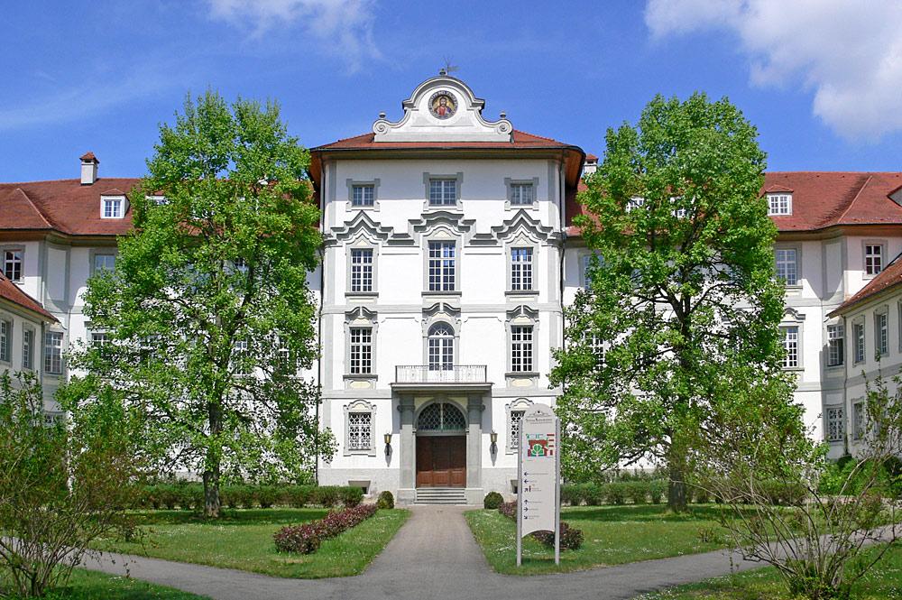 Hauptfassade von Schloss Wurzach in Bad Wurzach