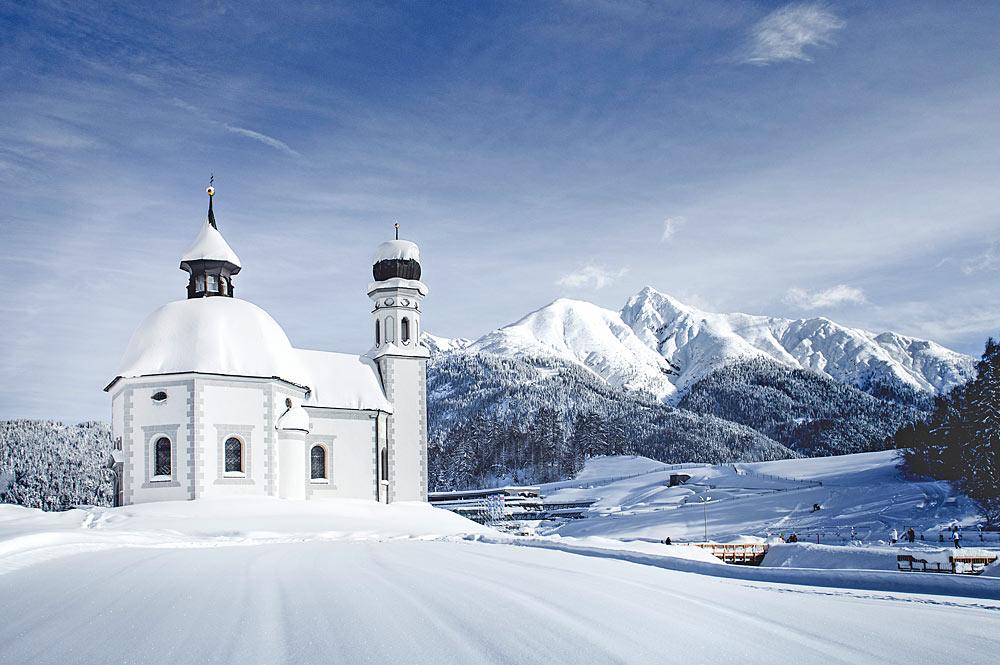 Außenansicht des Seekirchls in Seefeld in Tirol