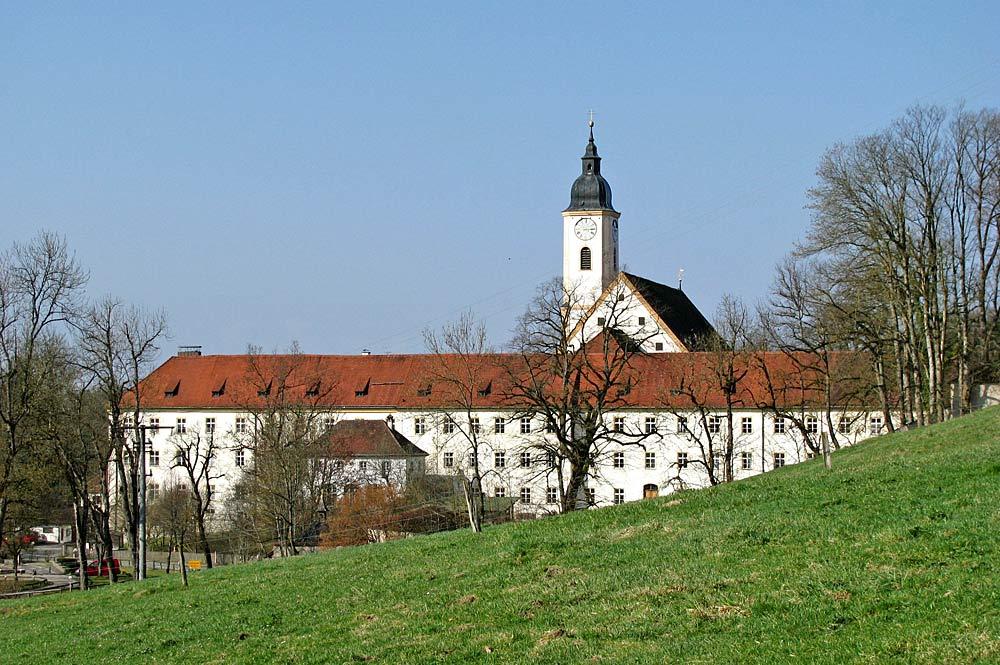 Blick auf das Kloster Dietramszell