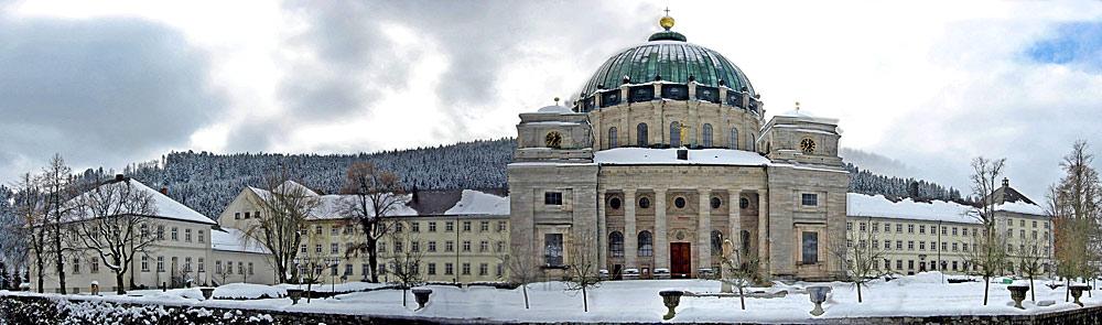 Panorama vor dem Dom in St. Blasien