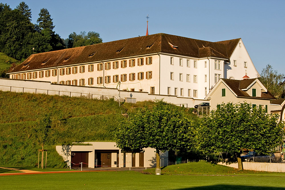 Blick auf das Kapuzinerkloster St. Klara in Stans