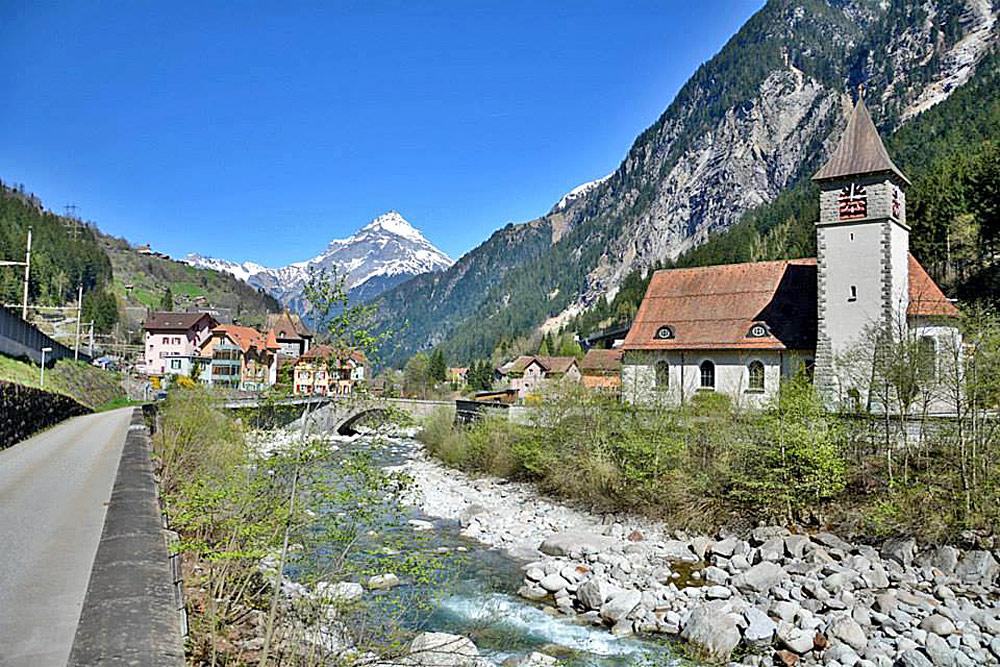 Blick auf das Dorf Gurtnellen