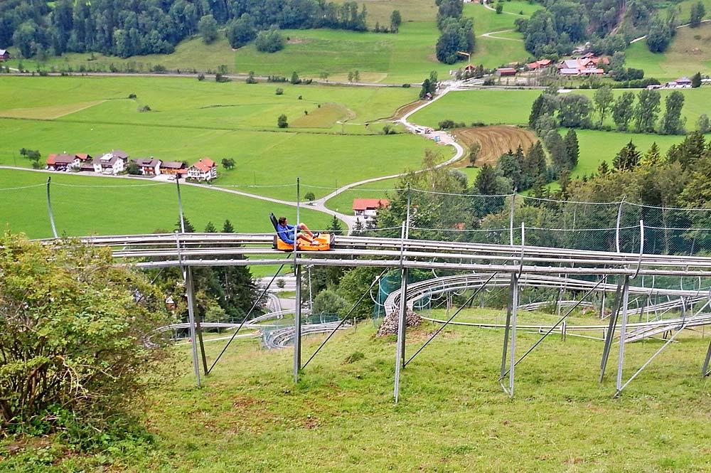 Blick auf die Strecke des Alpsee Coasters bei Immenstadt