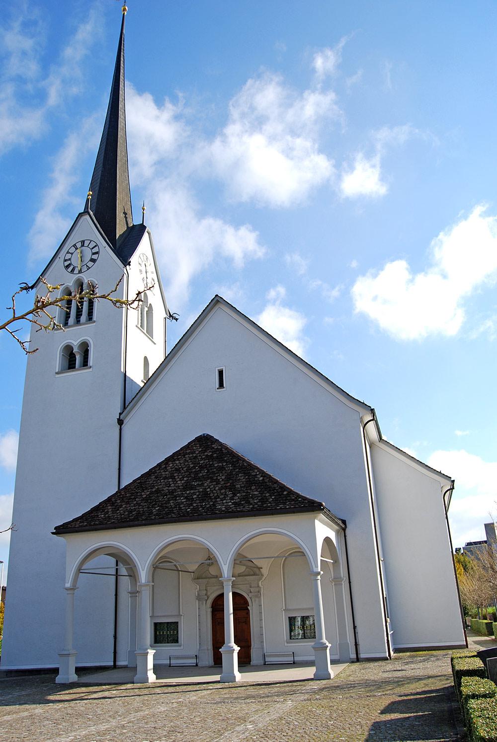 Außenansicht der Pfarrkirche St. Michael in Altendorf