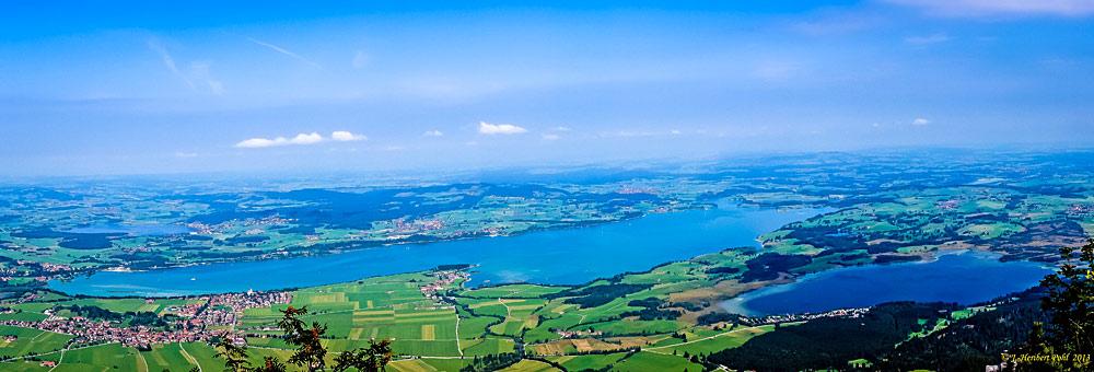 Blick vom Tegelberg auf Hopfen-, Forggen- und Bannwaldsee