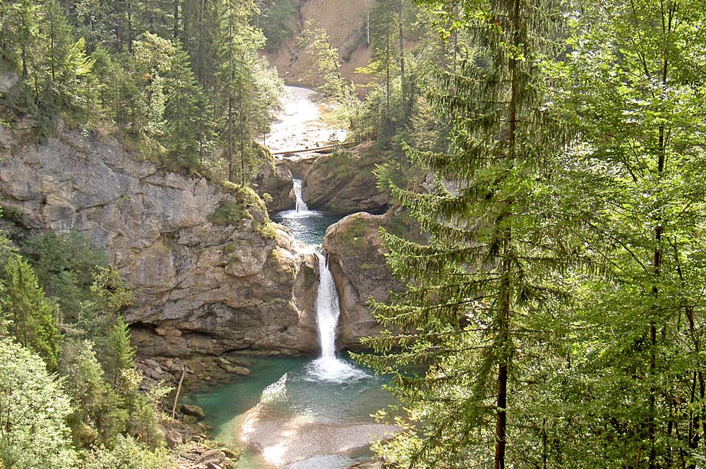 Blick von oben auf die Buchenegger Wasserfälle im Naturpark Nagelfluhkette