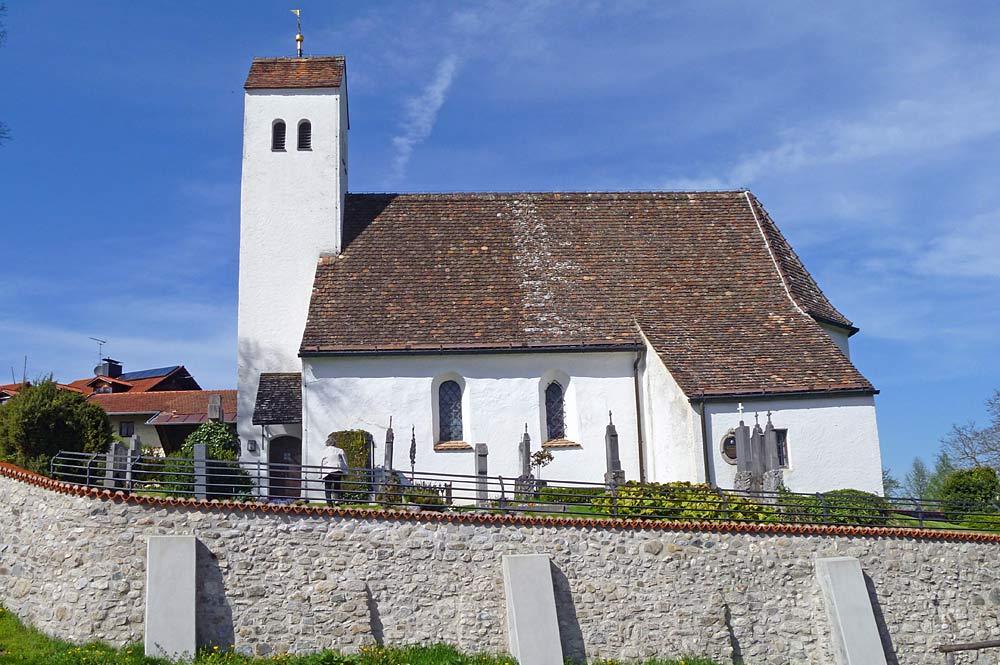 Die Heilig-Kreuz-Kirche in Icking