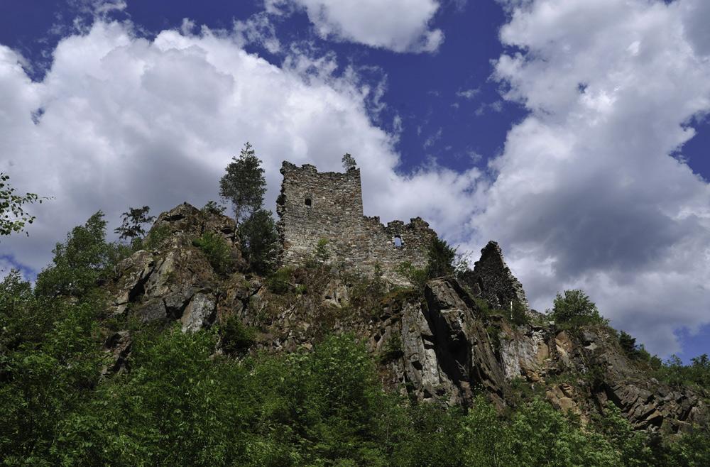 Blick auf die Kienburg bei Huben