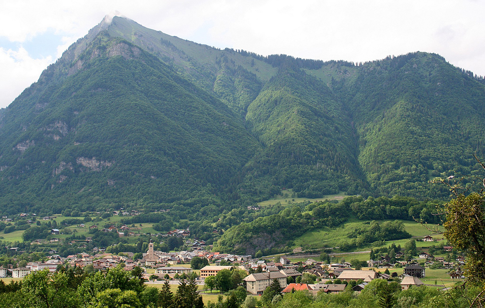 Taninges vor dem Pic de Marcelly