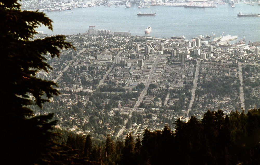Blick auf North Vancouver von Grouse Mountain