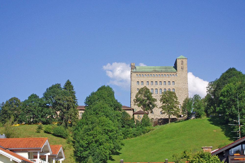 Blick auf die Ordensburg in Sonthofen