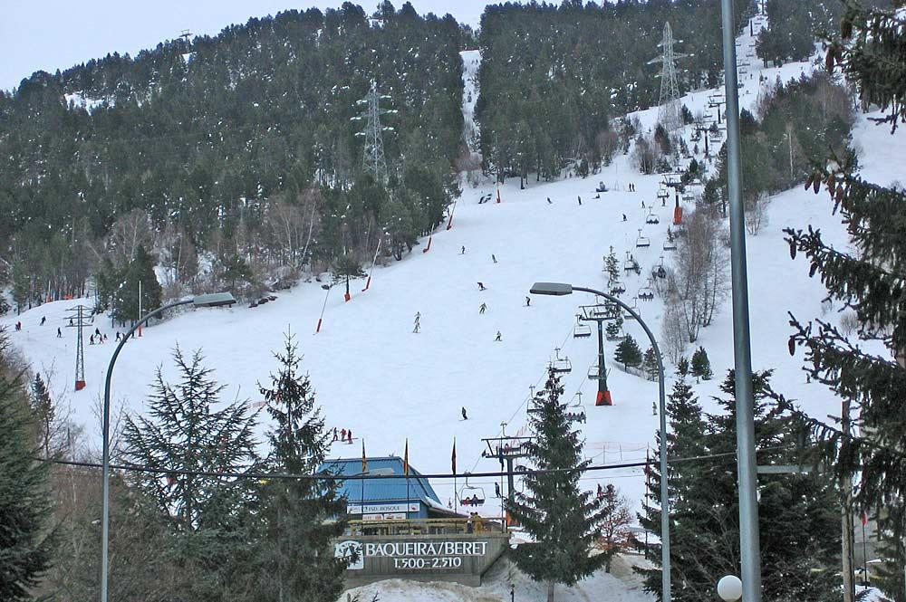 Talstation des Skigebiets Baqueira Beret auf 1500 Metern