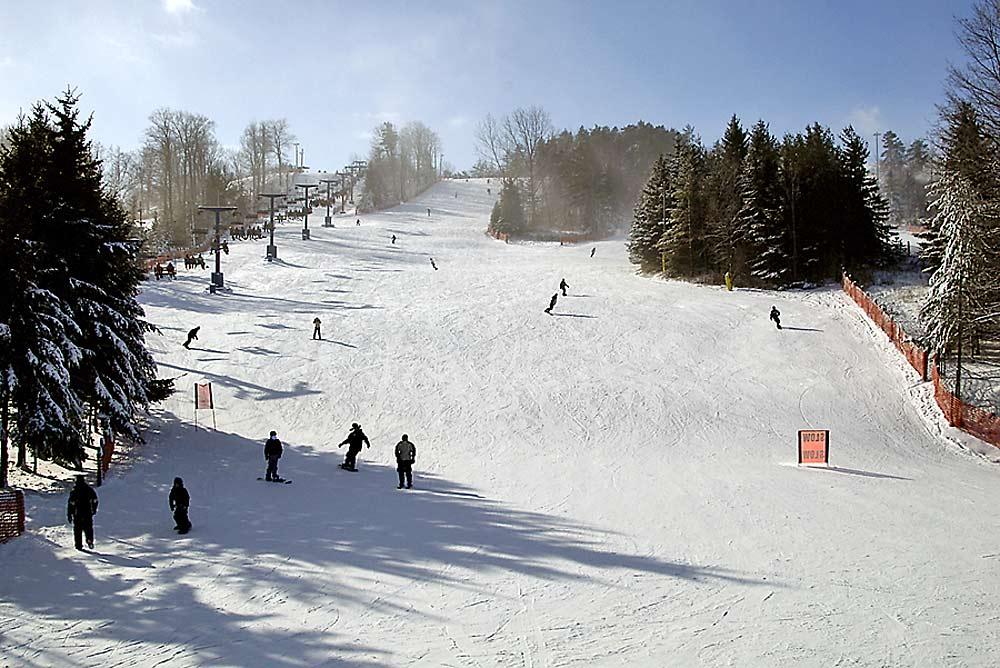 Blick auf eine Piste im Skigebiet Chicopee bei Kitchener
