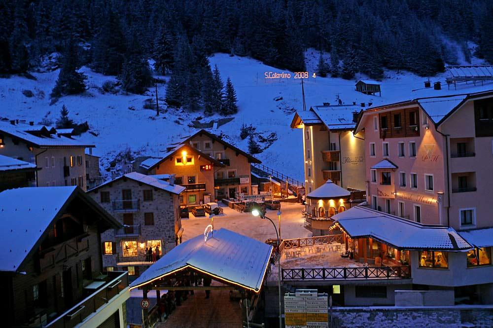 Blick in den Ortsteil Santa Caterina Valfurva im Winter