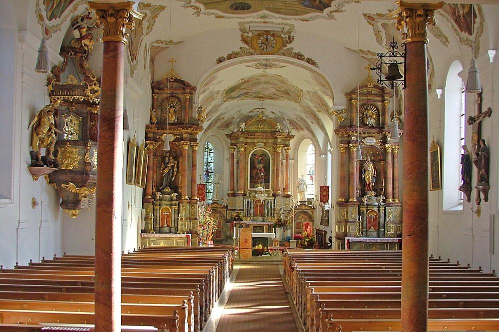 Innenansicht der Pfarrkirche St. Michael in Oy-Mittelberg