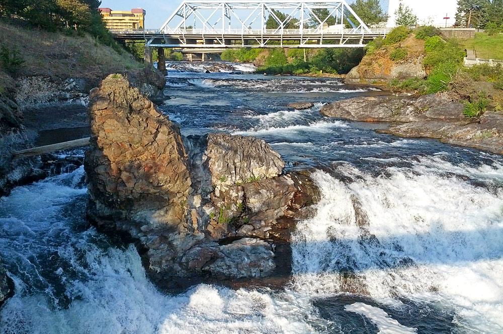 Blick auf die Wasserfälle Spokane Falls