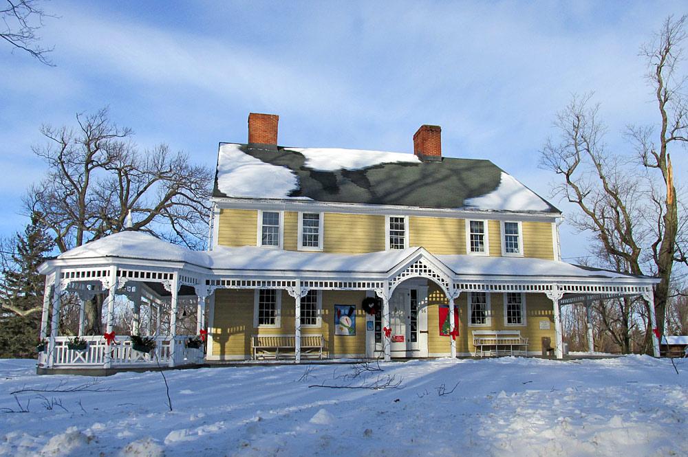 Außenansicht der Abijah Moore Tavern in Princeton