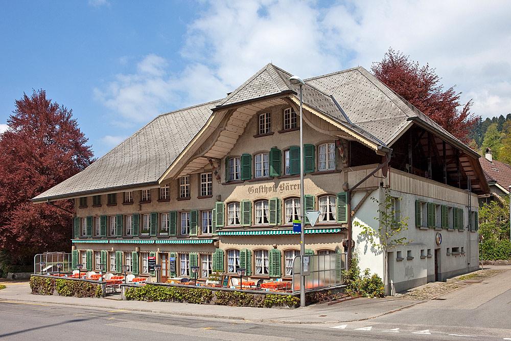 Außenansicht des Gasthofs Bären in Langnau im Emmental