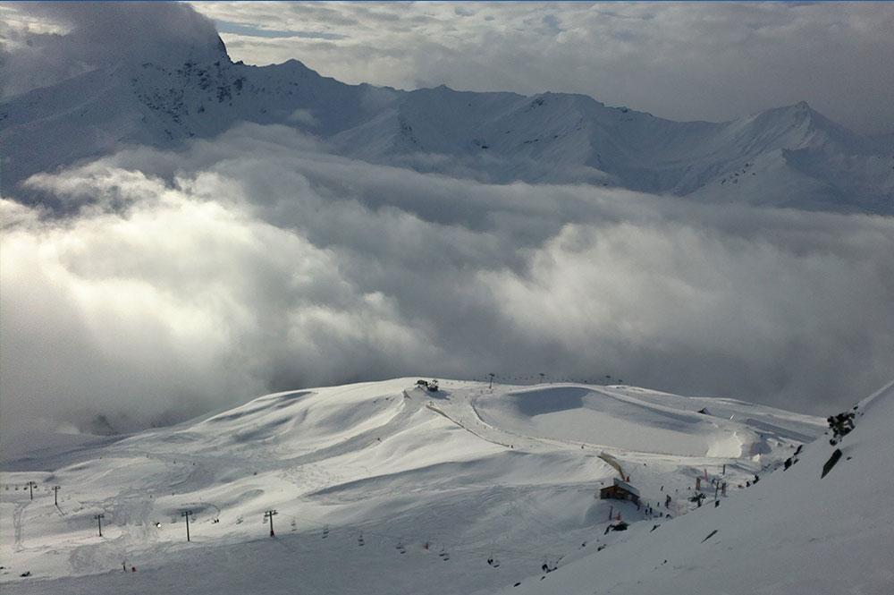 Blick auf das Skigebiet Valmeinier - Valloire und den Lift