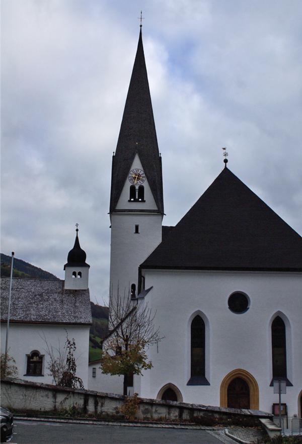 Pfarrkirche in Bramberg