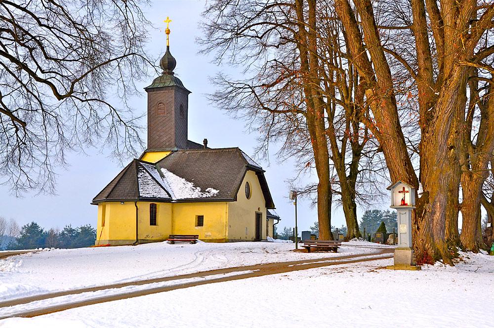 Außenansicht der Filialkirche St. Ulrich in Villach