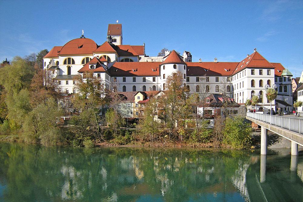 Kloster St. Mang und Hohes Schloss über dem Lech in Füssen