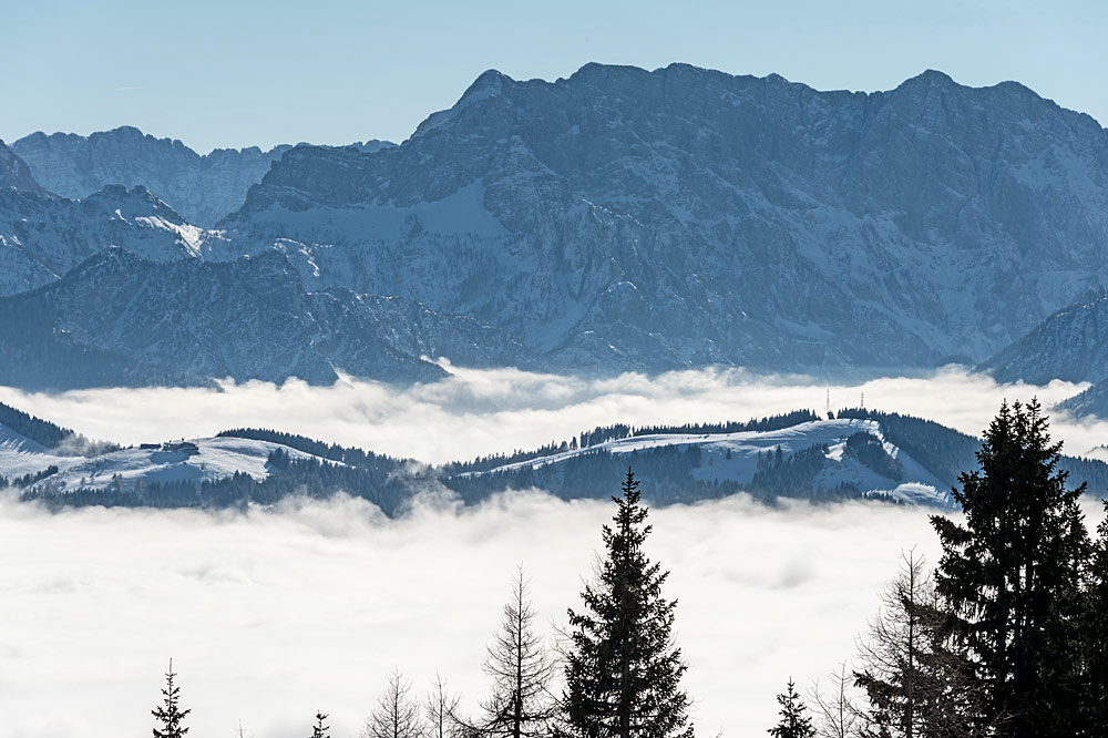 Blick auf die Pisten am Gipfel des Dreiländerecks bei Bad Bleiberg
