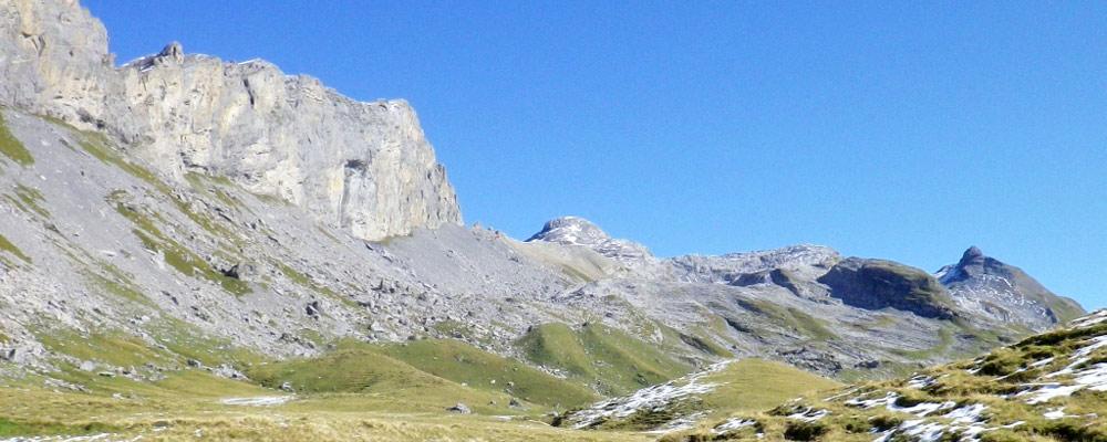 Blick auf den Barglen, den Rotsandnollen und das Schwarzhorn