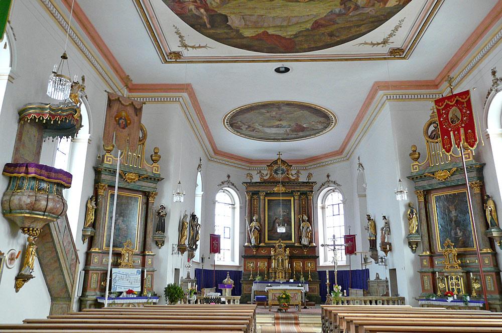 Innenansicht der Pfarrkirche St. Andreas in Halblech-Trauchgau