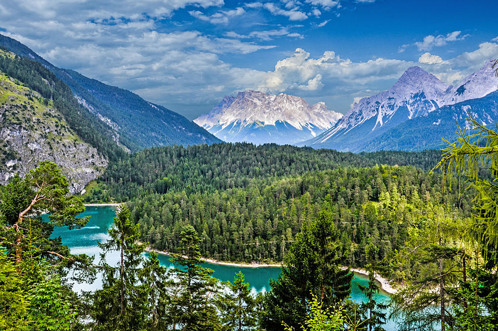 Blick auf den Blindsee und die Zugspitze bei Biberwier