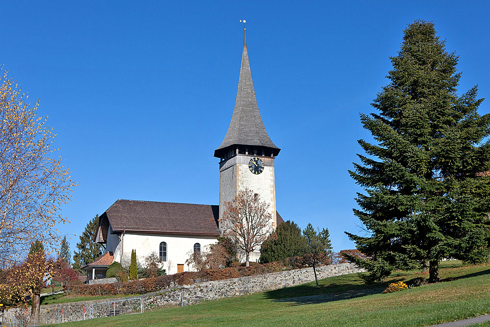 Außenansicht der evangelisch-reformierten Kirche in Aeschi