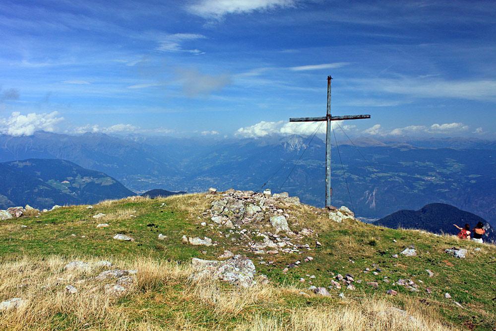 Gipfelkreuz der Kleinen Laugenspitze bei St. Pankraz im Ultental