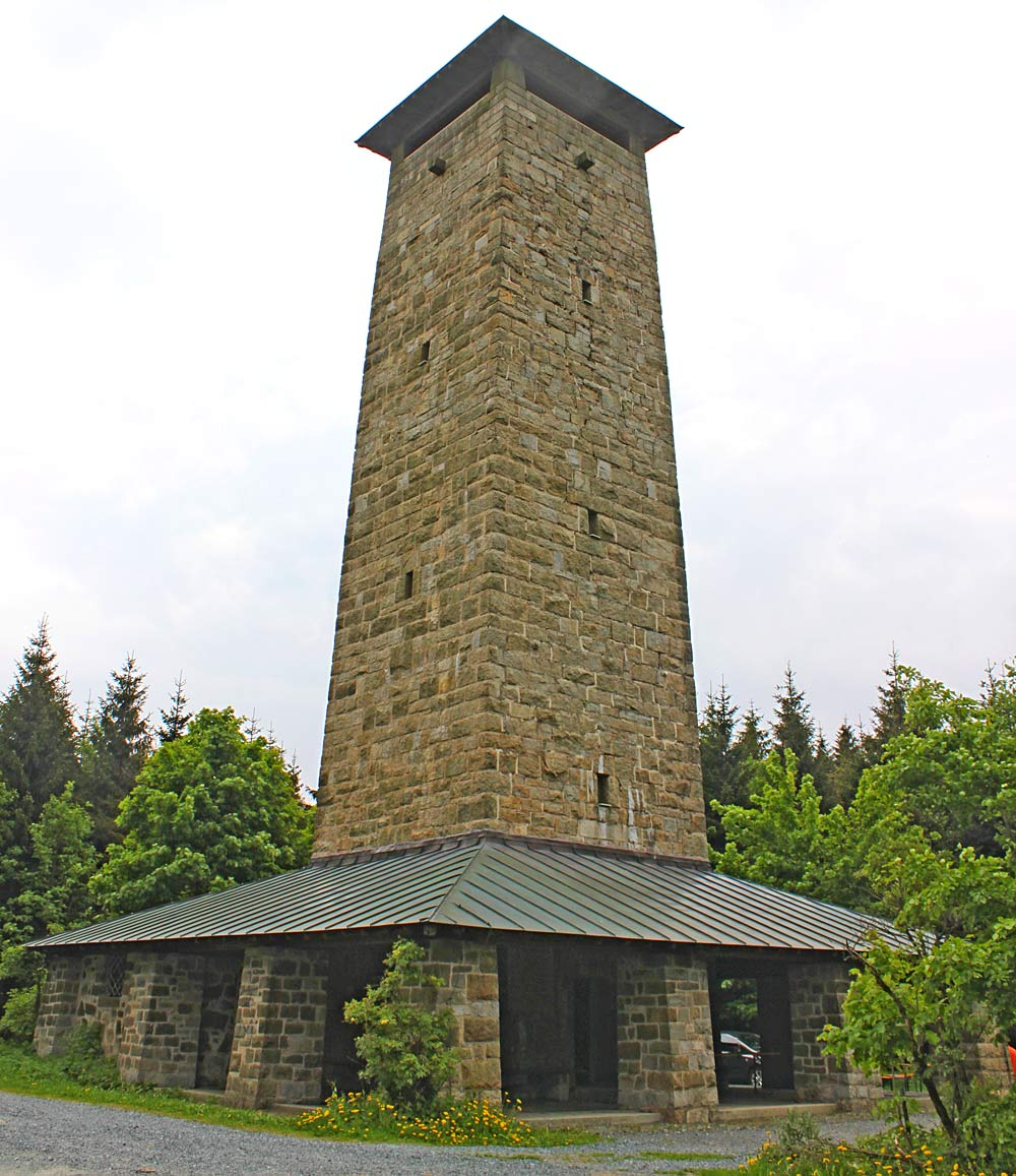 Schönburgwarte auf dem Großen Kornberg bei Schönwald/Bayern