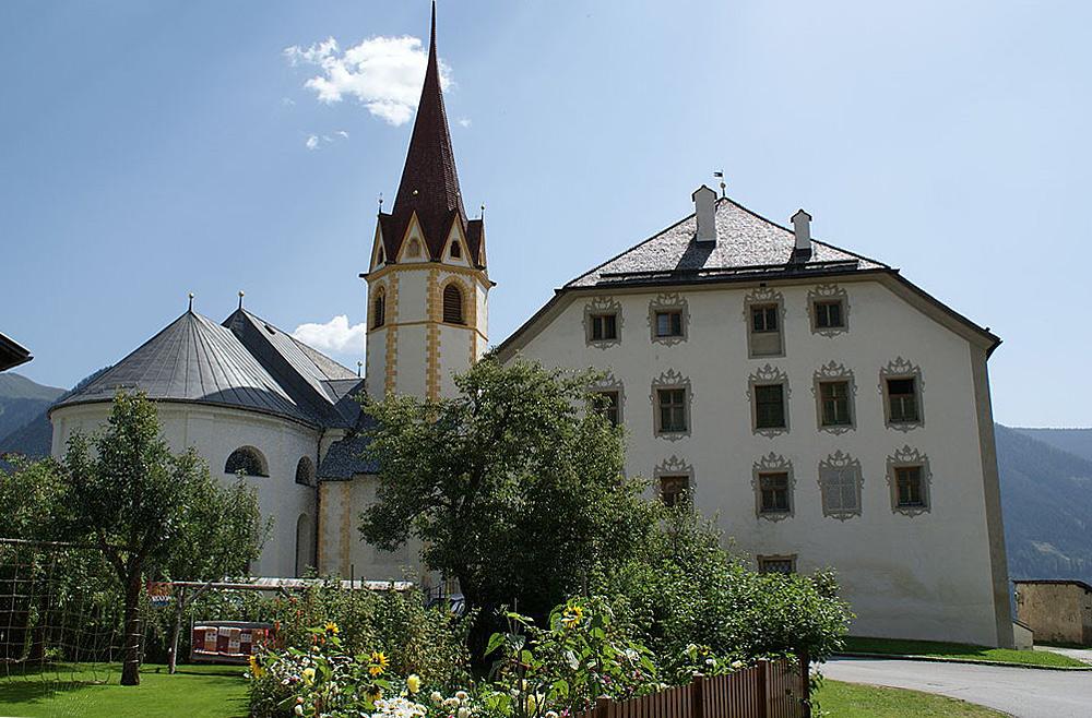 Blick auf Schloss Anras