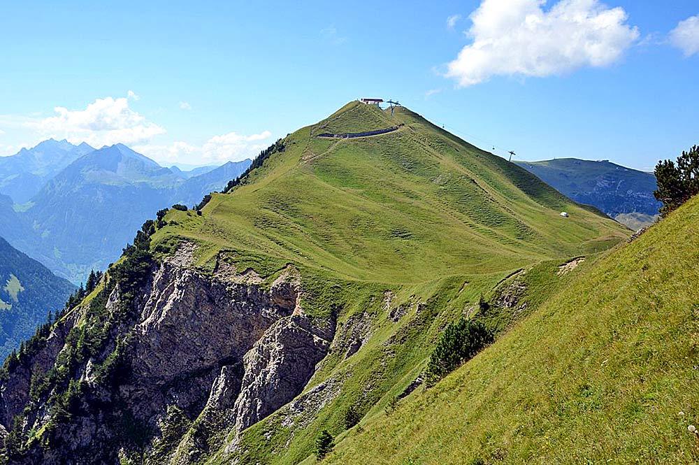 Blick auf den Gipfel des Klingenstocks bei Stoos