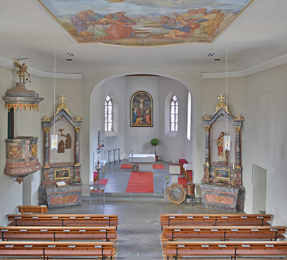 Innenansicht der Pfarrkirche St. Leonhard in Riefensberg