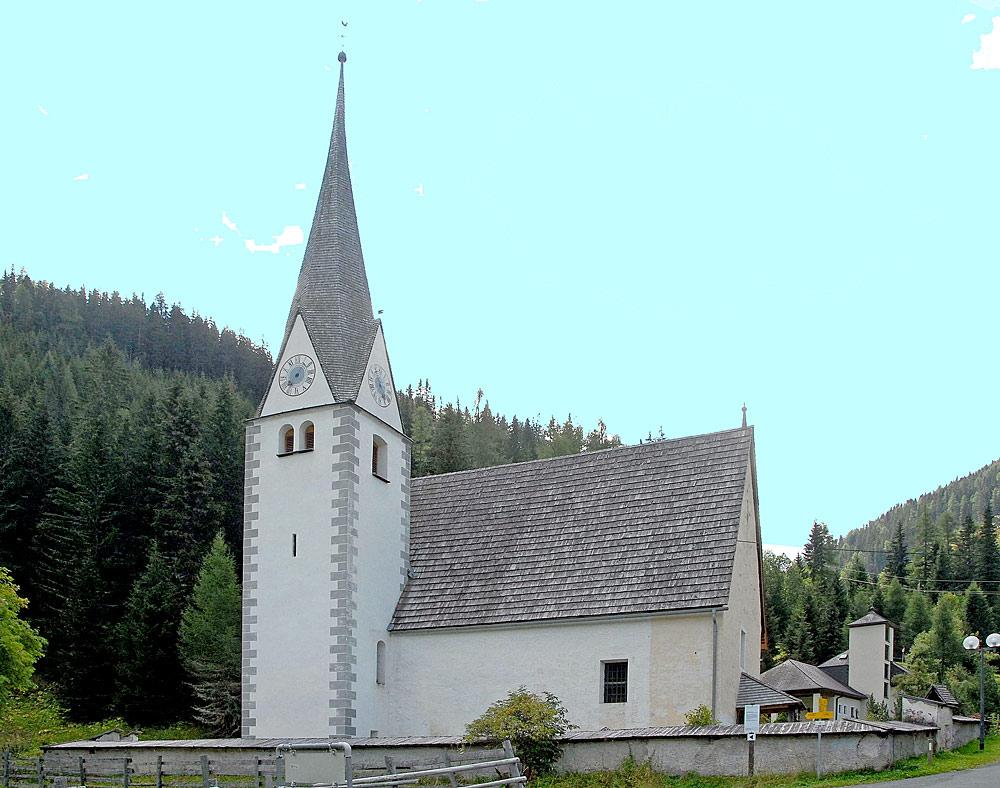 Außenansicht der Knappenkirche St. Andreas in Innerkrems