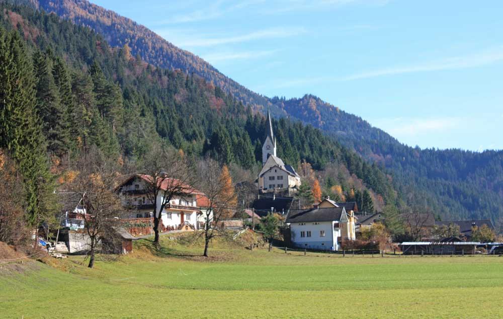 Blick auf St. Lorenzen im Gitschtal