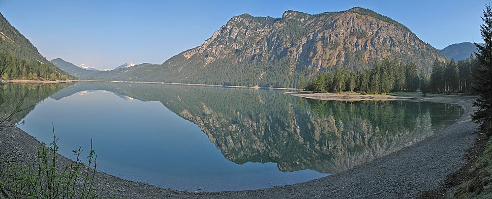 Panoramablick auf den Heiterwanger See bei Heiterwang