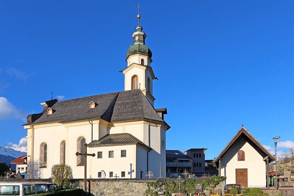 Pfarrkirche zu Mariä Heimsuchung und zum Heiligen Kassian in Birgitz