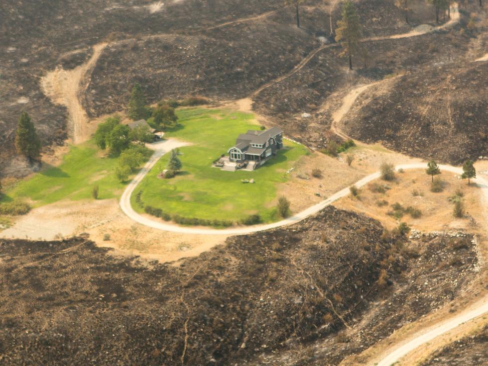 Joaxwwkszqnb67ok7stg chelan complex fire home saved2