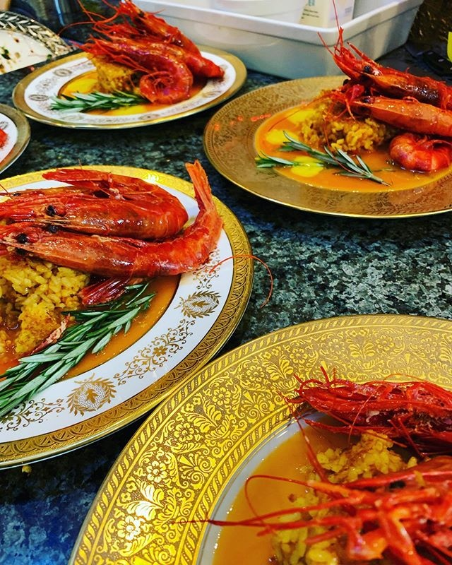 G0xnkpuvtamilehnuucl scarlet shrimp arroz. paellaworks arroz catering cheflife foodandwine worldpaelladay