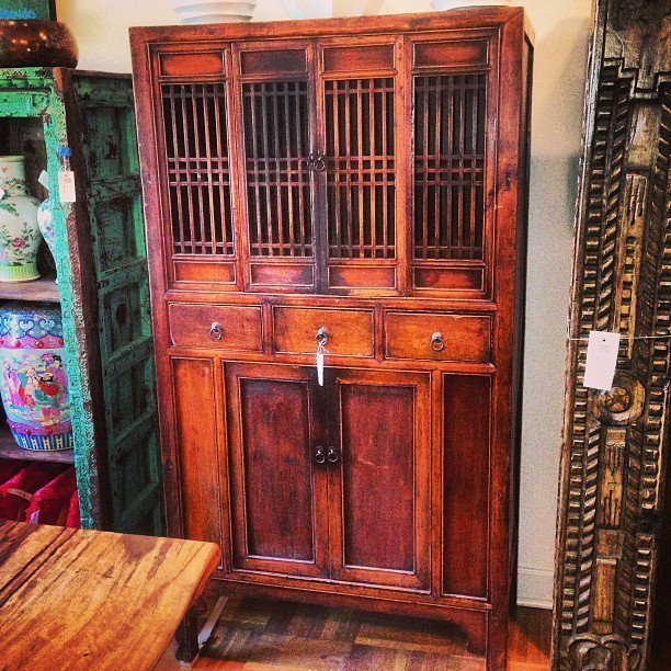 Section_image_chinese_cabinet_